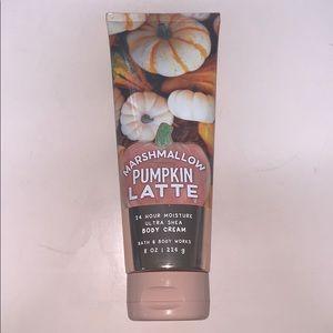 Marshmallow pumpkin latte 24 hour moisture cream